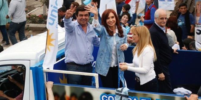 Para Cristina Kirchner, la orden de detención de De Vido es un